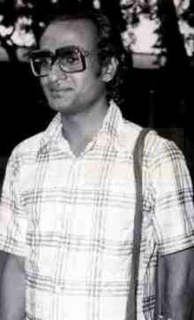 ആസാദ് എം -സംവിധായകൻ