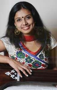 Sithara Singer-Dancer